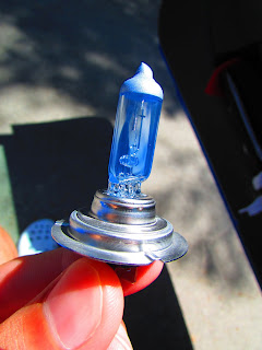 bombilla luz blanca|azul