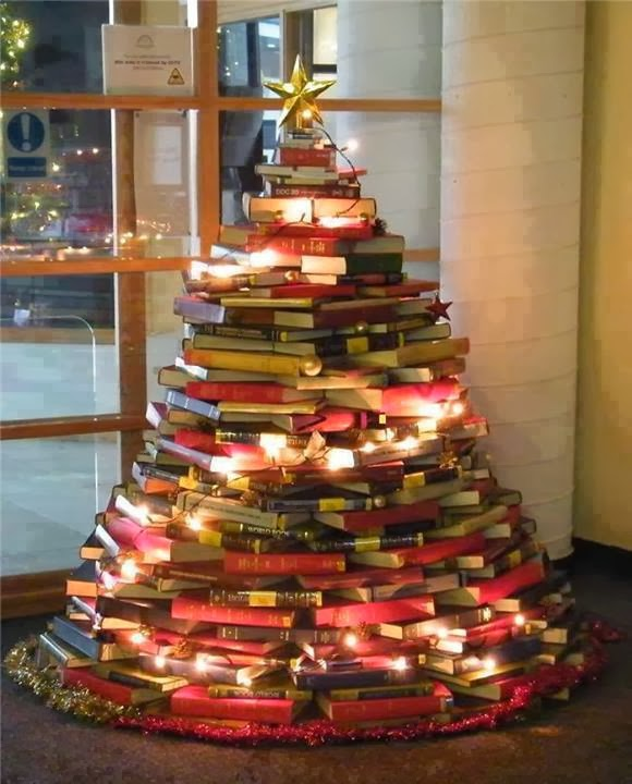 Resultado de imagem para árvores de natal de livros