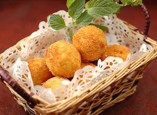 Fried Chicken Cakes Recipe (Bánh Gà Chiên Xù)