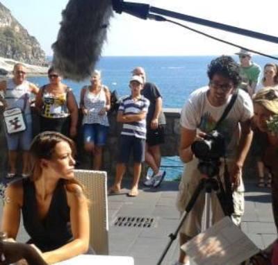 Teresanna pugliese attrice di ischia forever ecco il trailer gossippi - Bagno teresa ischia ...