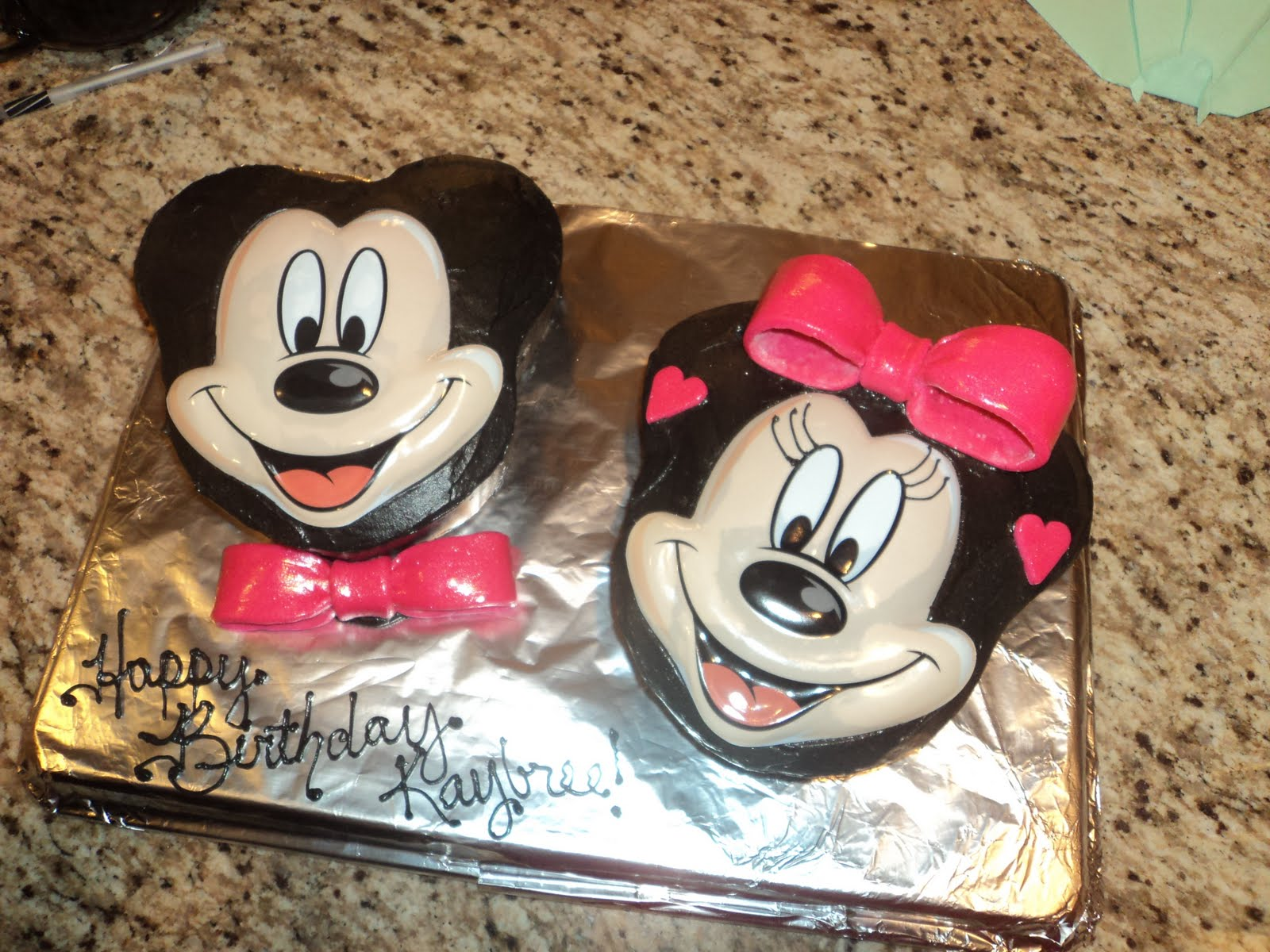 Delectable Cakes Mickey And Minnie Mouse