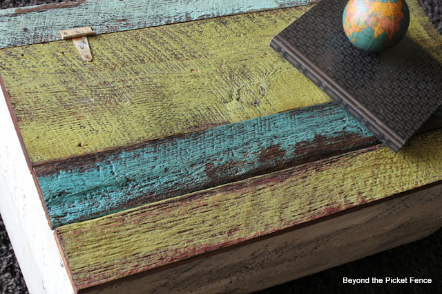 rustic, trunk, blanket chest, build it, barnwood, beyond the picket fence, reclaimed wood, trunk, furniture, barn wood, beyond the picket fence, http://bec4-beyondthepicketfence.blogspot.com/2013/05/blanket-chest-and-answers.html