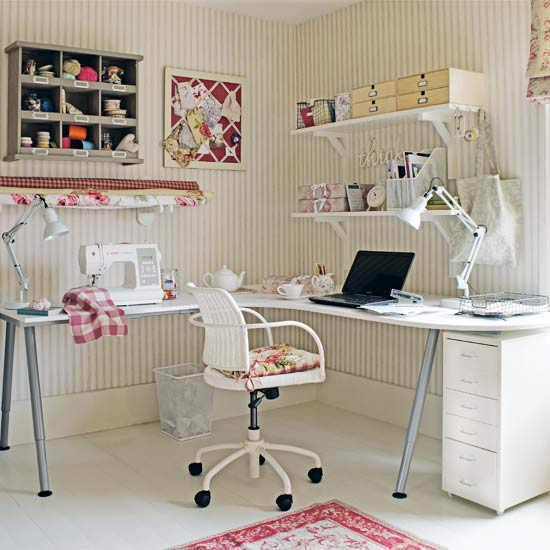 Little red hood sewing room inspiration - Small space sewing area style ...