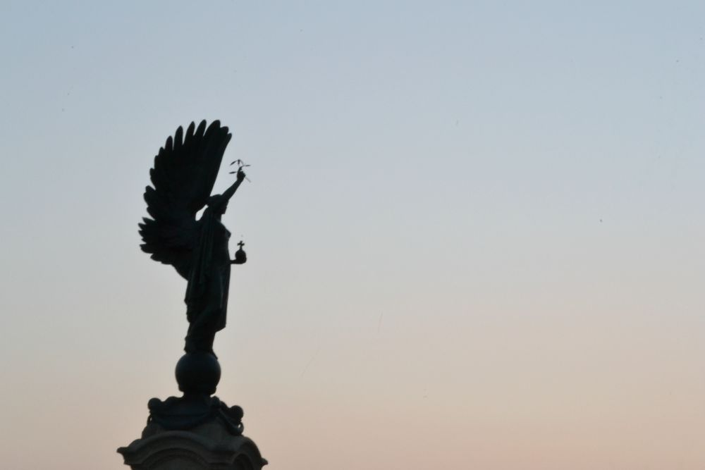 angel statue brighton