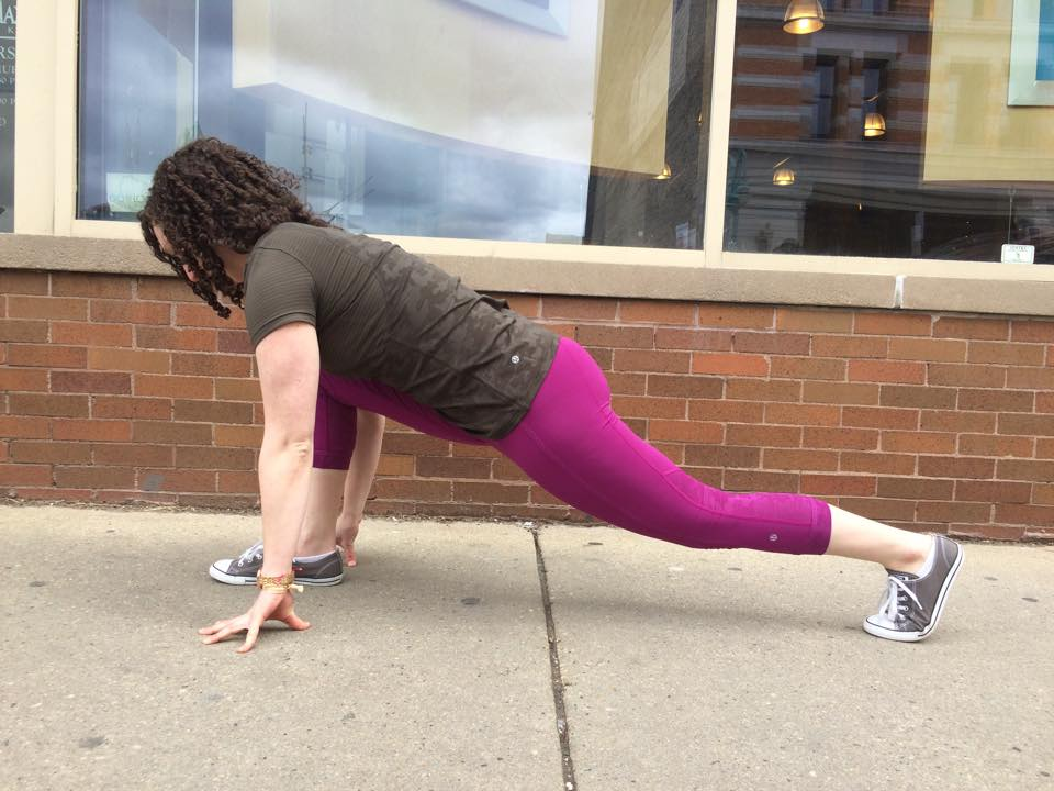 lululemon run-for-days-ss-plum-black
