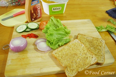 Cucumber and Tomato Sandwich recipe