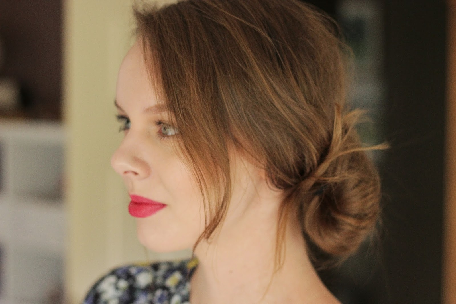 simpele haarstijlen, snelle simpele haarstijl messy side bun