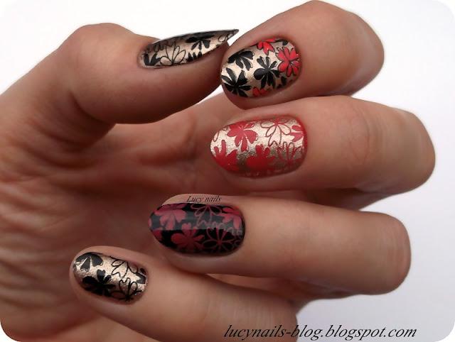 Stemple na paznokciach kwiaty