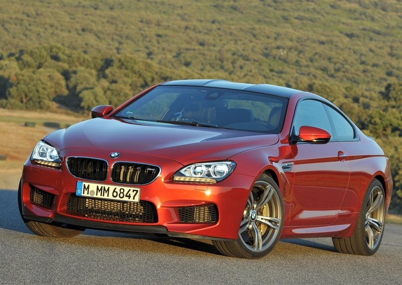 Sport car garage bmw m6 coupe 2013 for Garage bmw en france