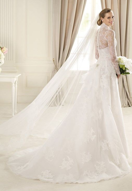 Lace and Organza High Collar A-Line Vintage Wedding Dress