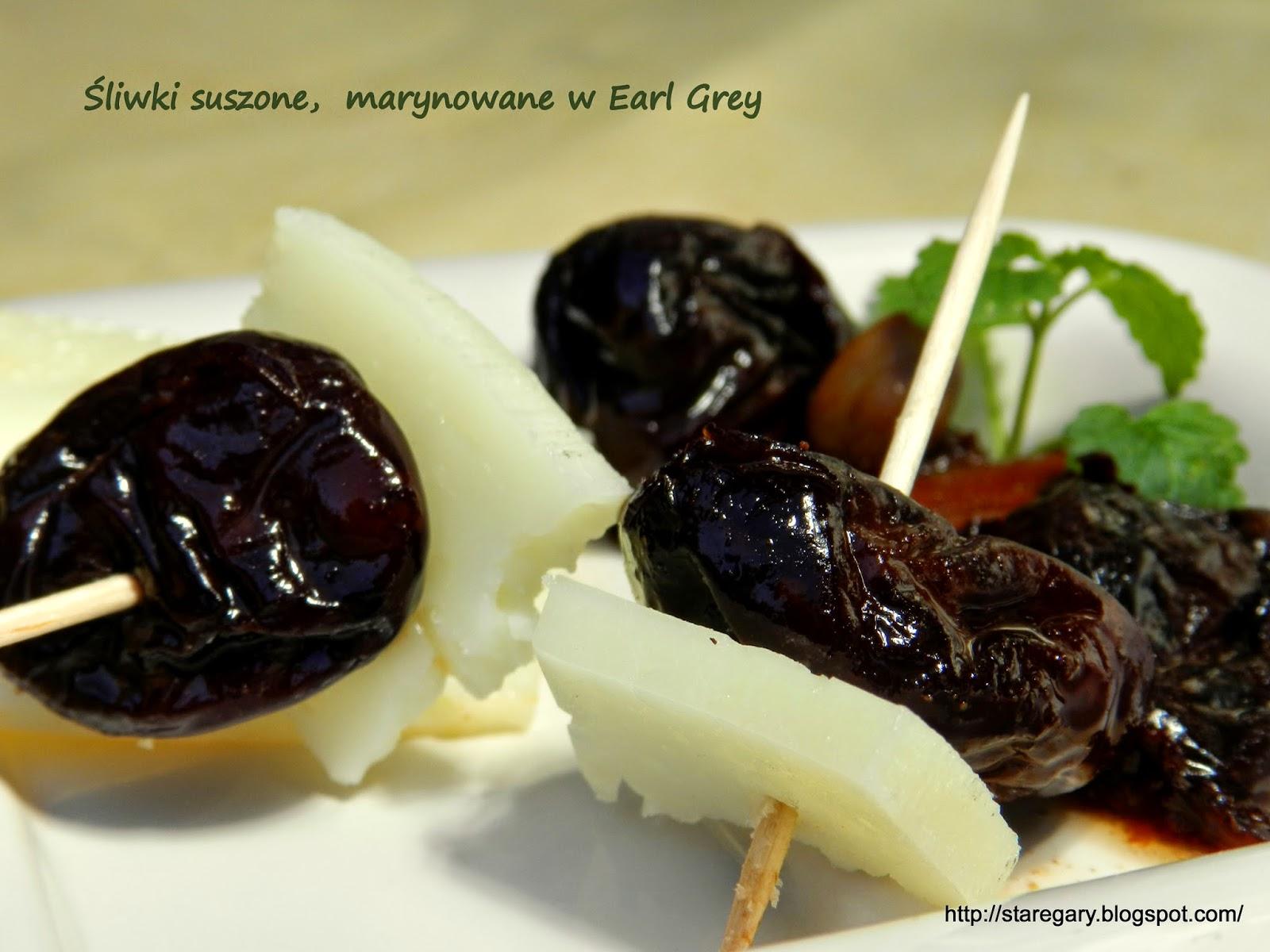 Śliwki suszone,  marynowane w Earl Grey