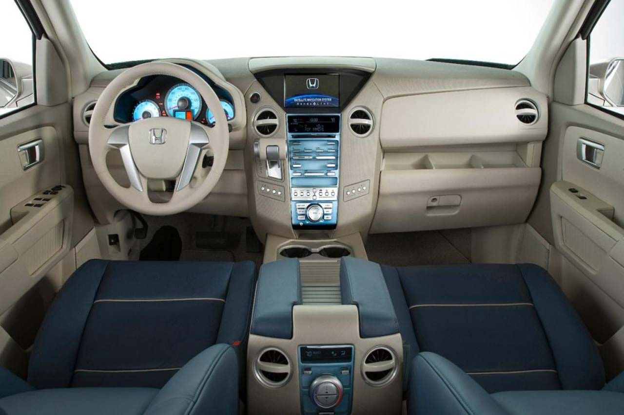 The 2014 Honda Pilot Also Will Carry Over A Dashboard With An 8 Inch Show  Screen However Still Slightly Cluttered By Too Several Buttons. No  Complaints A ...