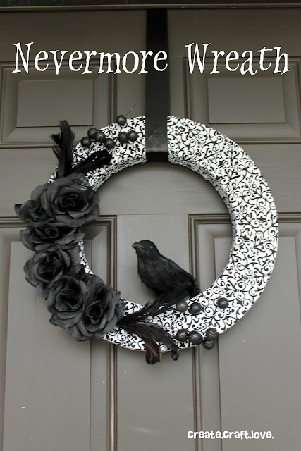 Halloween Wreath via createcraftlove.com #halloween #wreath