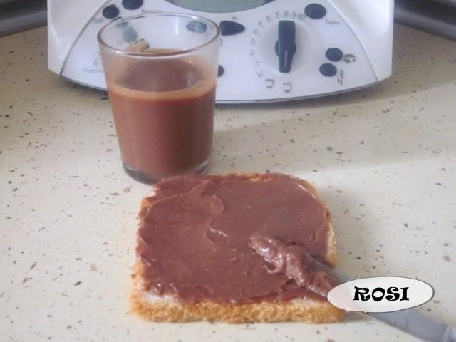 Entre cacharros de cocina nocilla leche cacao for Cacharros de cocina