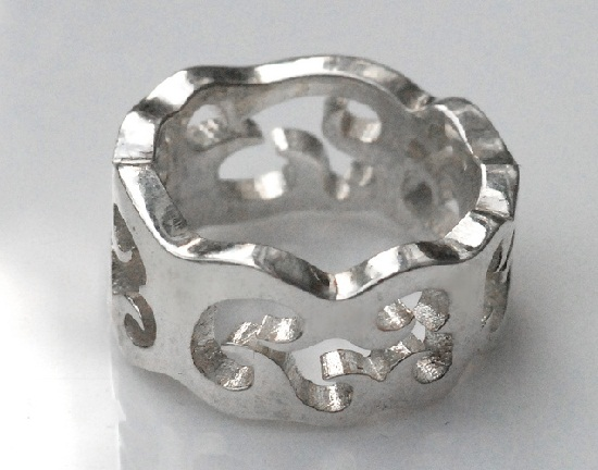 metallic ring created by 3d printer