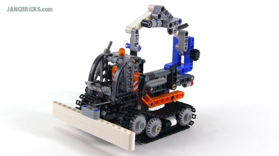 Lego Technic Snow Groomer Set 42032 Alternate Build
