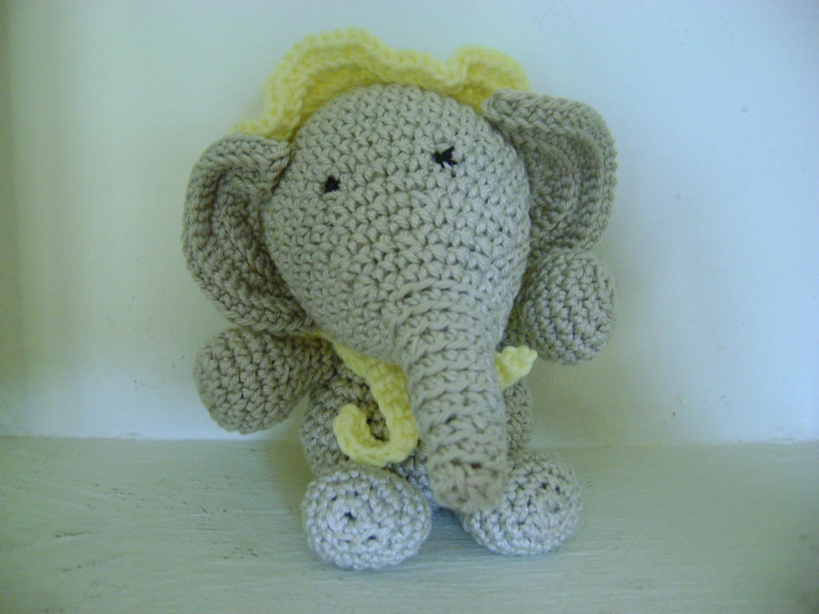 Ganchitos: Bebé elefante, con su gorrito y todo