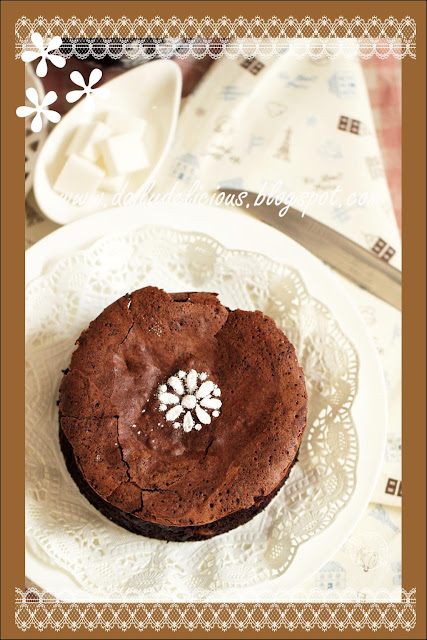 ... Rich Chocolate and Macadamia nut Cake: Gooey delicious chocolate cake