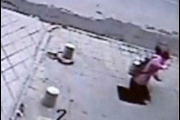 gadis china jatuh lubang 6 meter