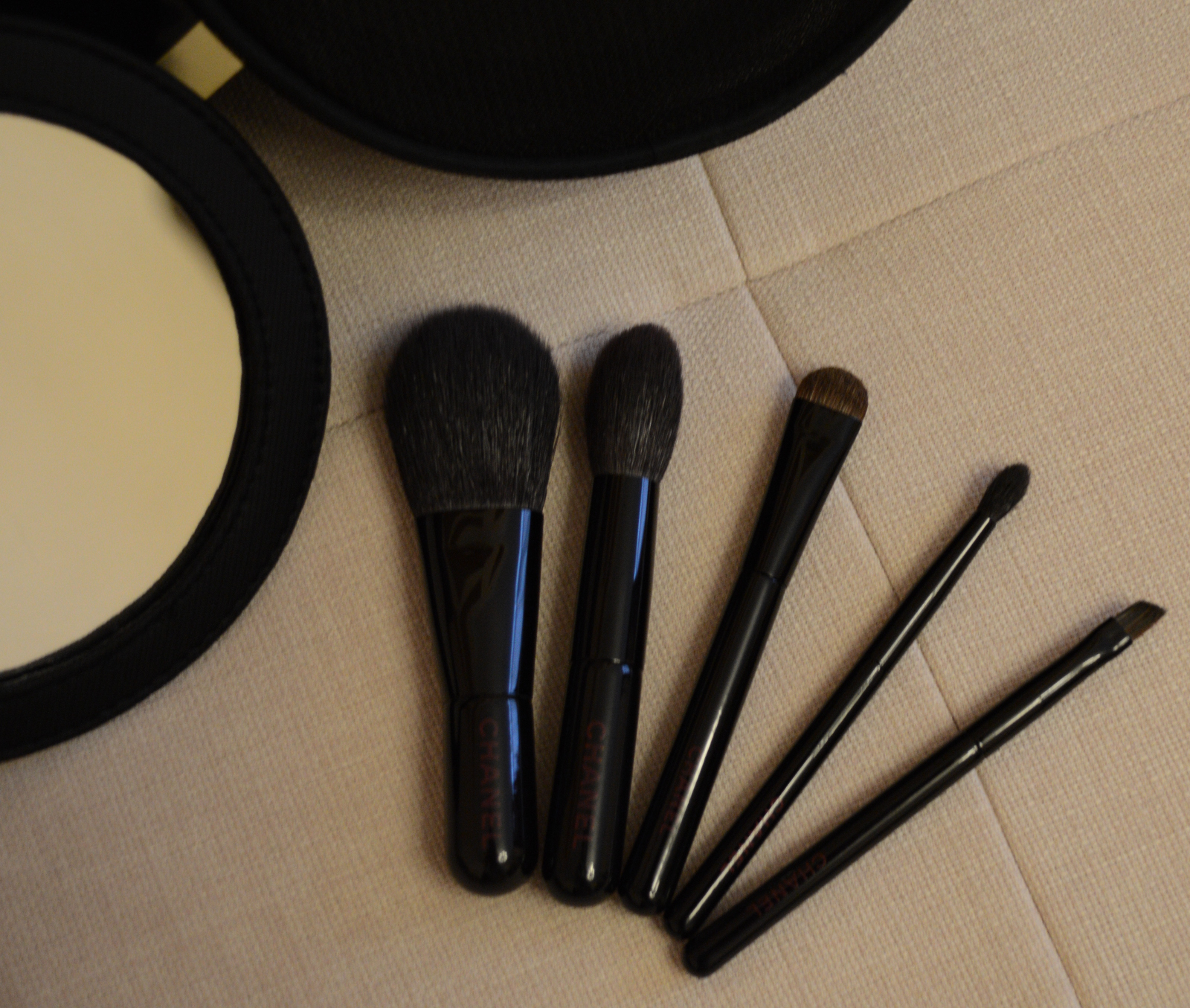 Кисти шанель для макияжа 7 шт фото