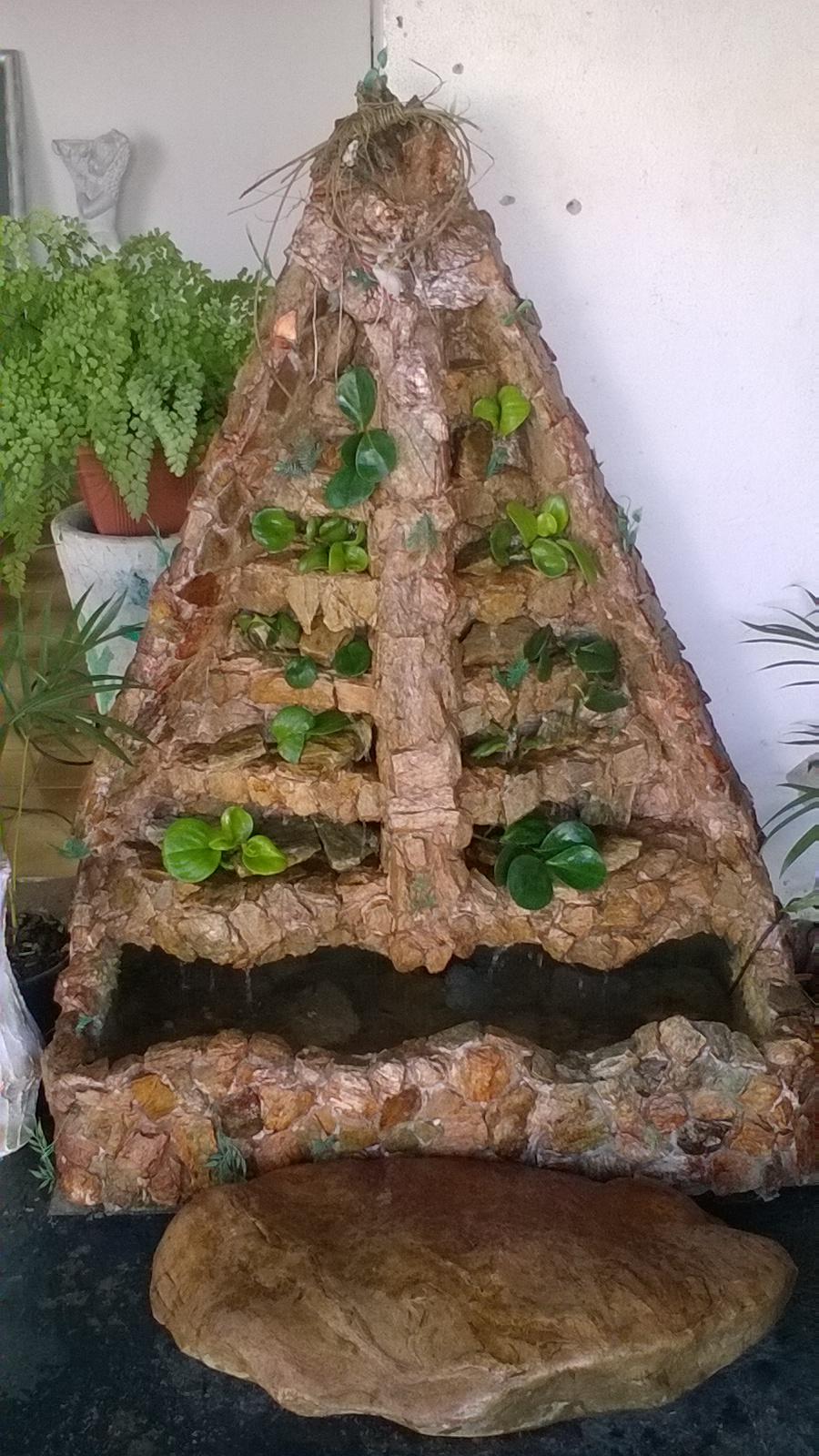 REF:9856 cascata em pedra natural