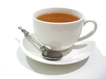 Encuentran pasto y hasta trozos de árbol en los saquitos de té