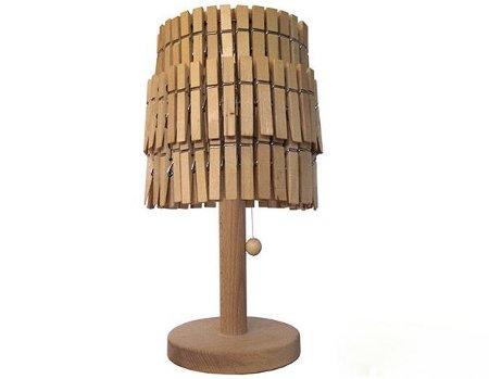 lampara hecha con ganchos de ropa