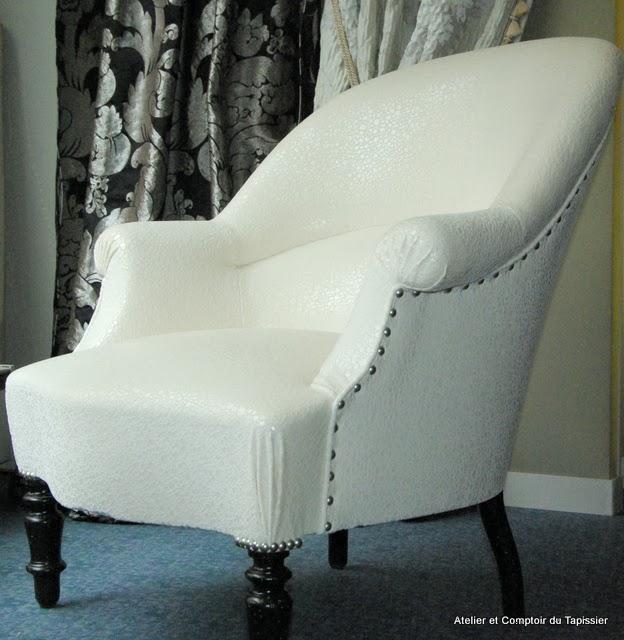 atelier et comptoir du tapissier fauteuil crapaud. Black Bedroom Furniture Sets. Home Design Ideas
