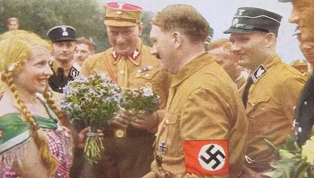 Κομμουνιστές καί αριστεροί υπεύθυνοι γιά τόν ηθικό ξεπεσμό τής κοινωνίας μας