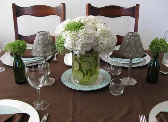 Hacer centros de mesa para bodas reciclando latas - Centros de mesa con limones ...