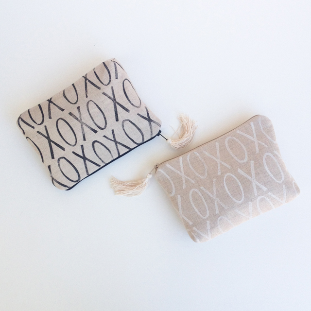 Linen XO Clutches | MamaBleuDesigns.com