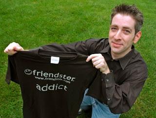 "<a href="" http://3.bp.blogspot.com/-d3VX0gHXvOs/UPO2vY0wk0I/AAAAAAAABVA/VRwM9z8dSmM/s320/9+Pendiri+Situs+Jejaring+Internet+-+youtube.jpg""><img alt=""penemu situs jejaring sosial,pendiri facebook,foto pendiri situs,internet dunia maya,popular sites,pendiri friendster"" src=""http://3.bp.blogspot.com/-d3VX0gHXvOs/UPO2vY0wk0I/AAAAAAAABVA/VRwM9z8dSmM/s320/9+Pendiri+Situs+Jejaring+Internet+-+youtube.jpg""/></a>"
