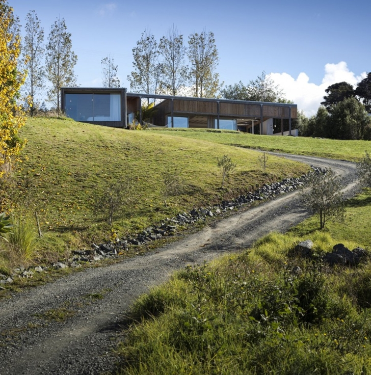 Driveway to the Wooden house in New Zealand
