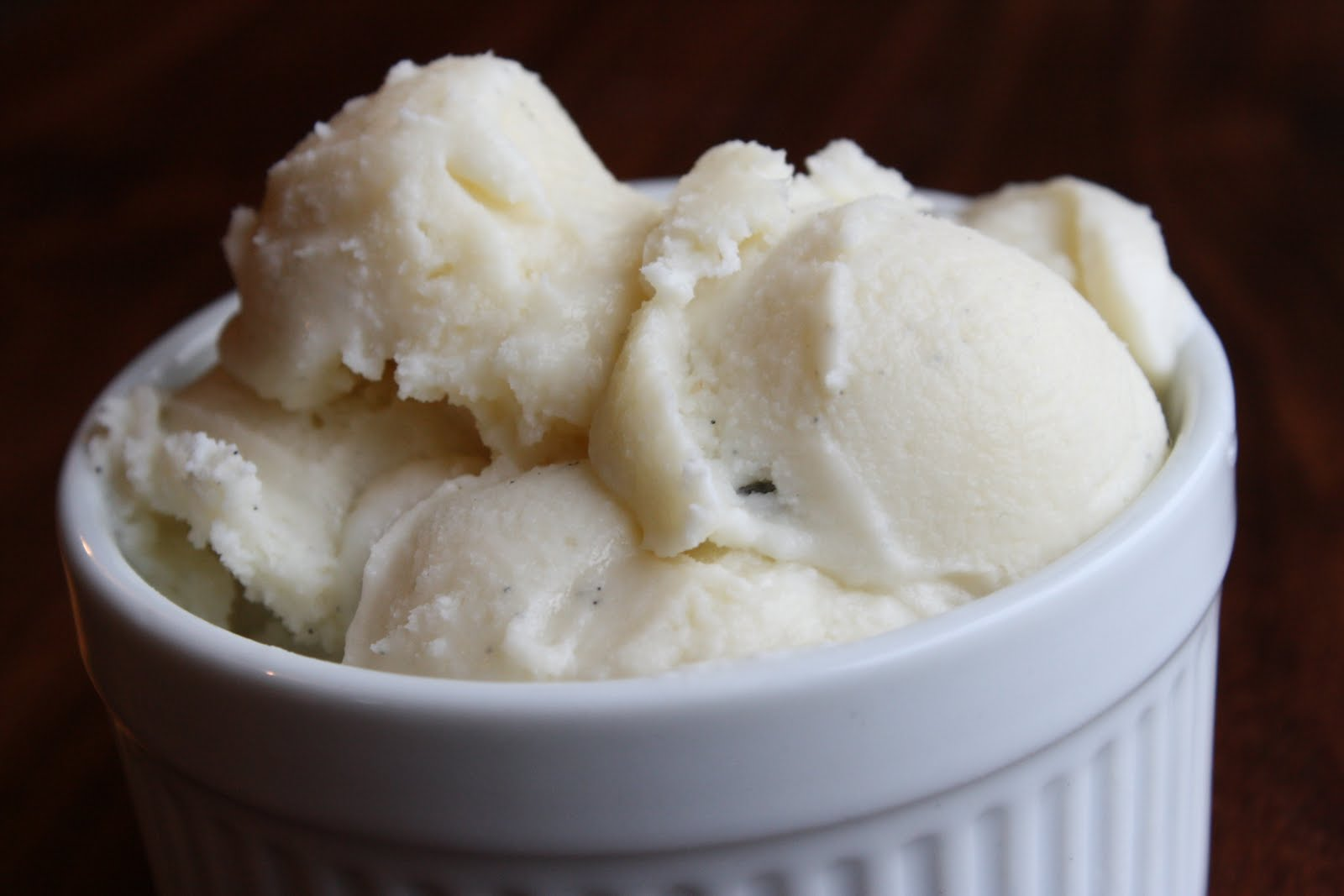 Gorgeous Gourmet: Classic Vanilla Bean Ice Cream