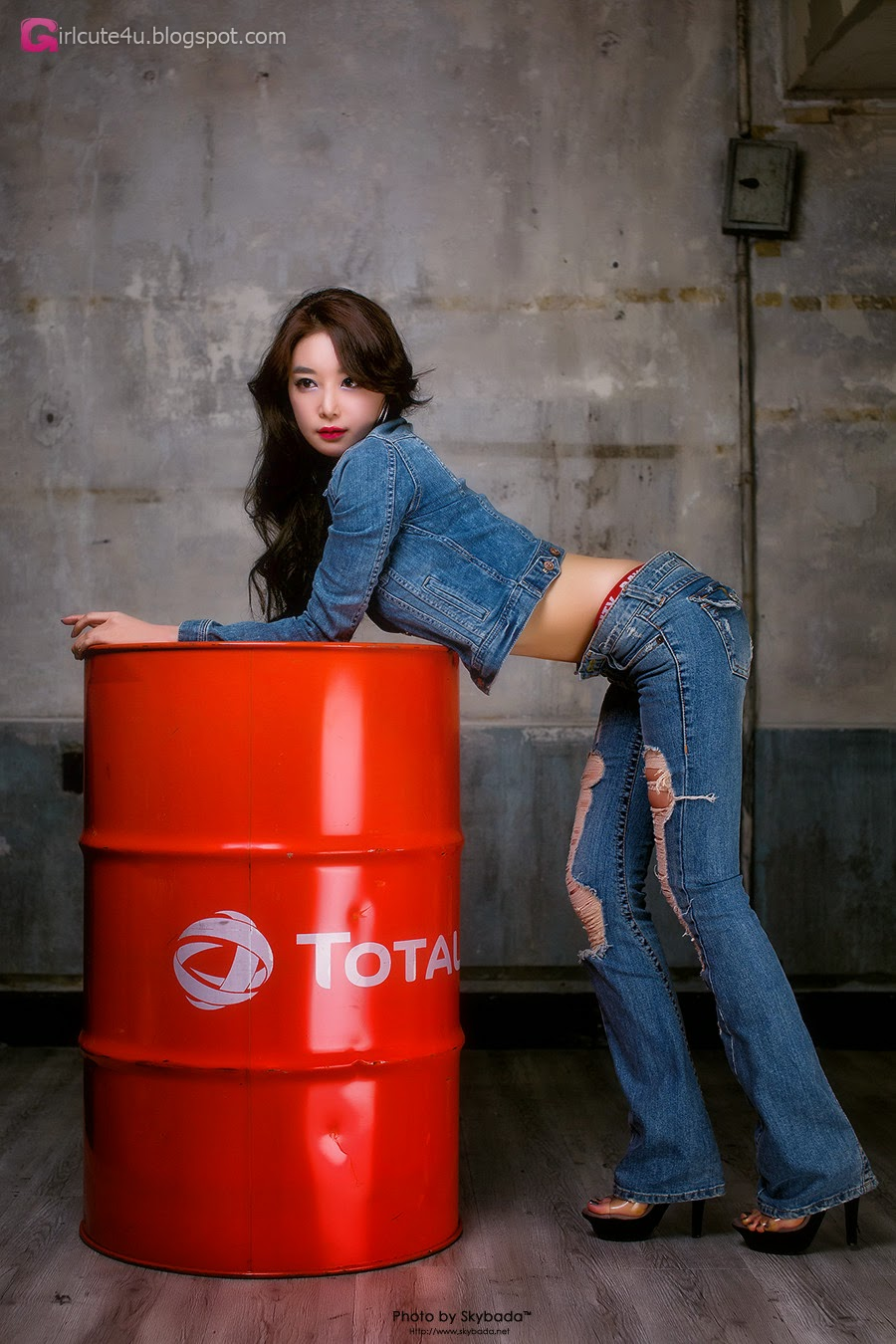 1 Lee Eun Seo - Over A Barrel - very cute asian girl-girlcute4u.blogspot.com