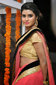 Harini at Valayam movie launch-thumbnail-7