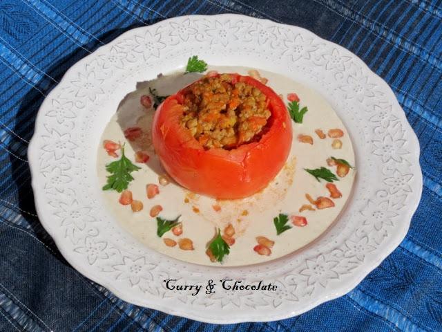 Tomates rellenos al horno con salsa nogada o de nuez
