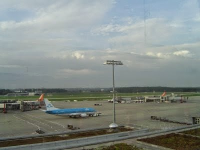 KLM plane waiting for me in Geneva airport