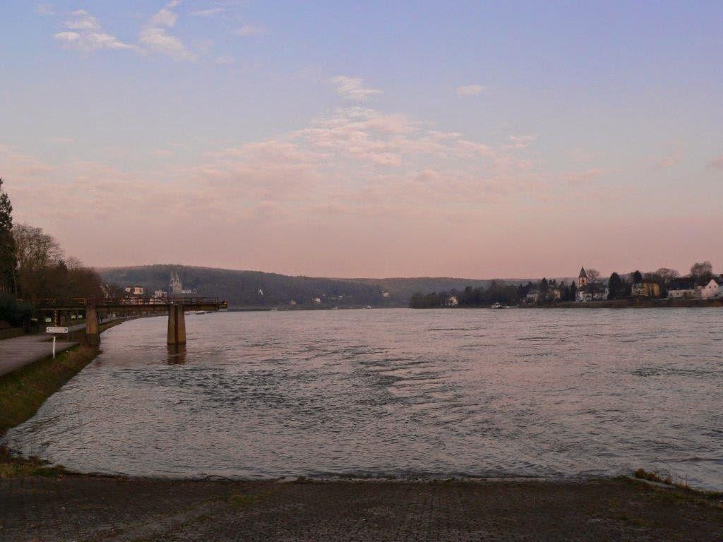 Camping Rhein Remagen Goldene Meile Frühling Ostern Sonnenuntergang Brücke von Remagen