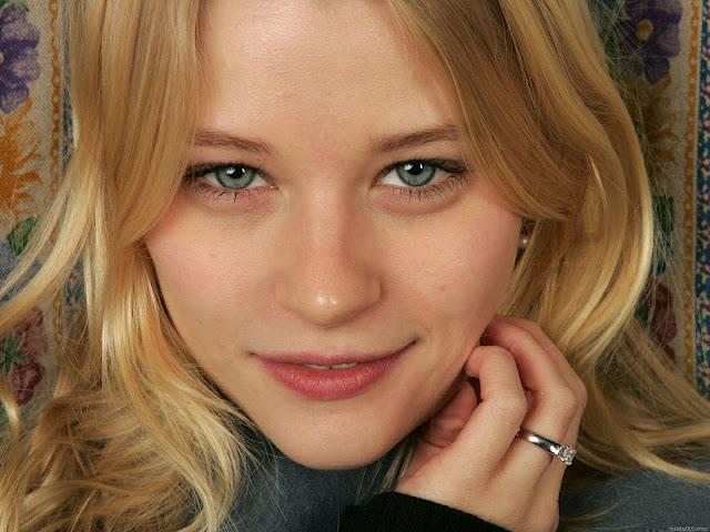 Emilie De Ravin Biography and Photos 2012