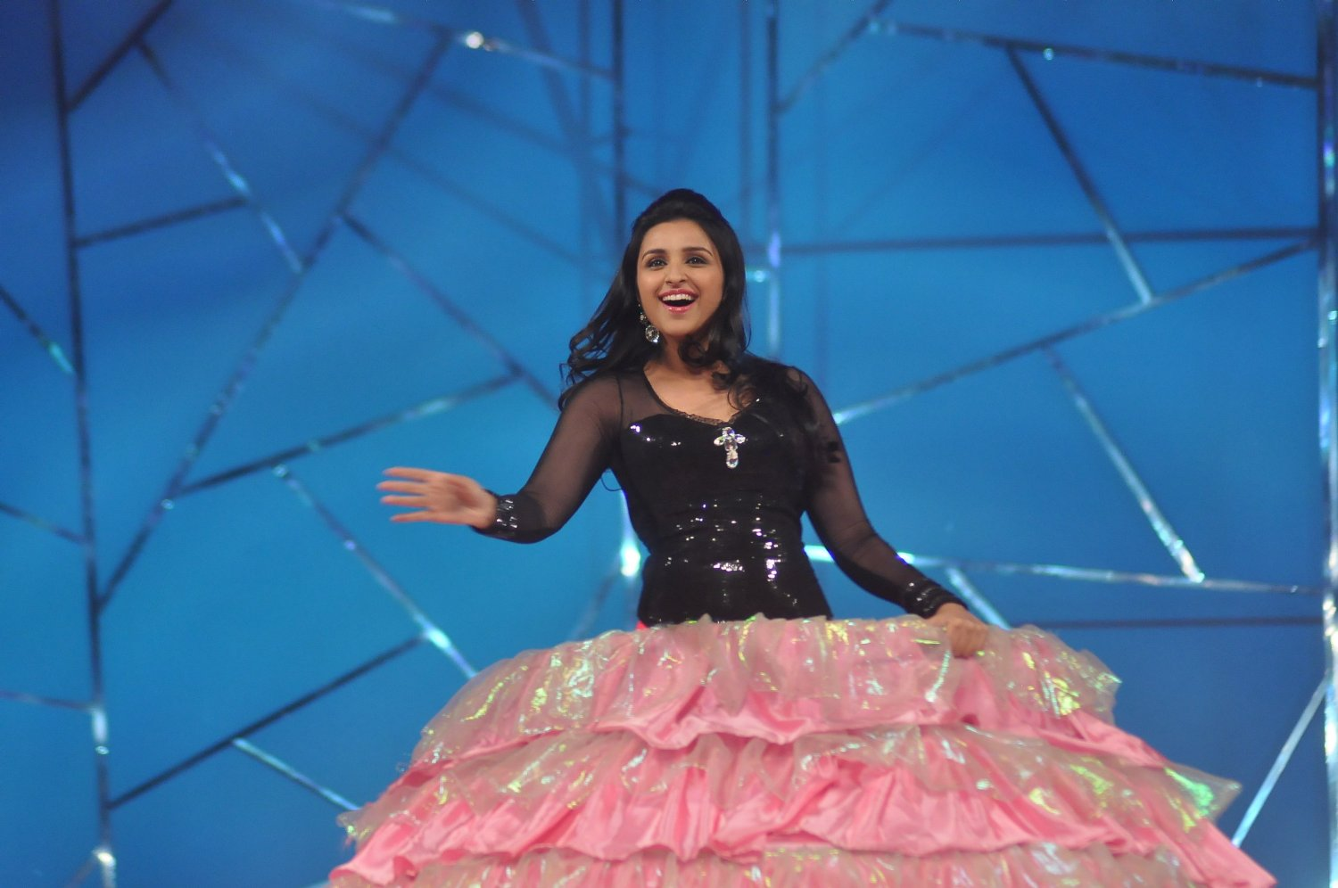 image Parineeti chopra bollywood dance