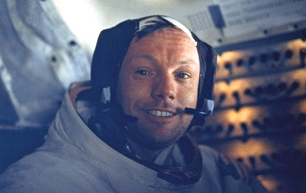 Neil Armstrong, First Man on the Moon, Is Dead at 82