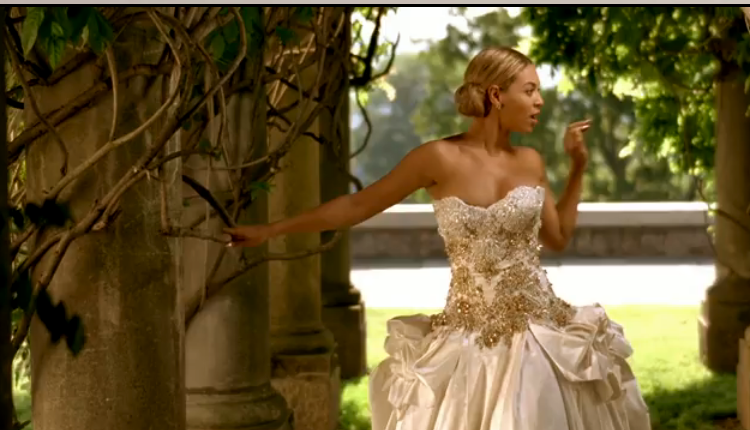 I have received many emails asking who made Beyonce 39s wedding dress in her
