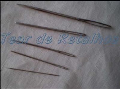 Escolha da agulha para bordar.