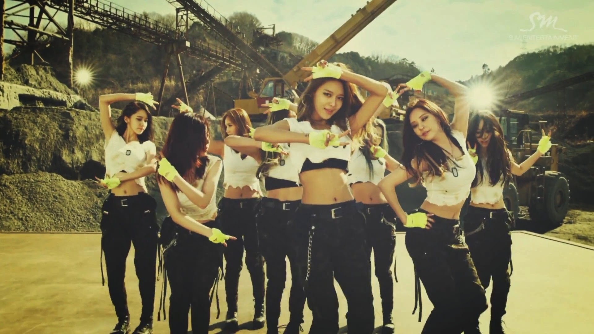 Girls' Generations' Sooyoung in Catch Me If You Can MV