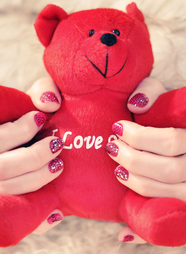 I love you bear, Valentine's Day Manicure