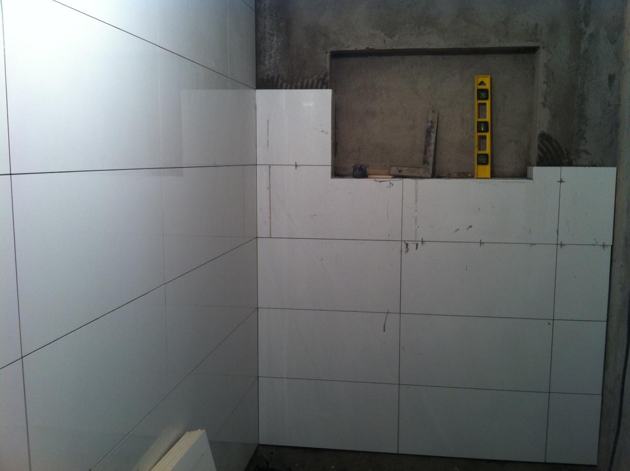 Essa foto aqui é para você ver como está ficando o banheiro maior  #746029 1296x968 Banheiro Antigo O Que Fazer