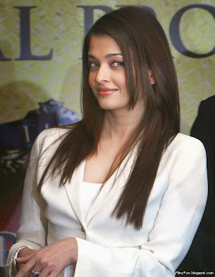 aishwarya_rai_beautiful_actress_FilmyFun.blogspot.com