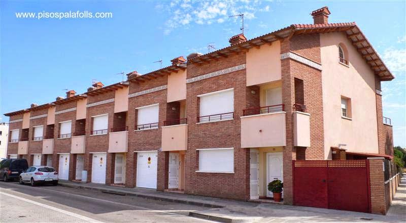 Casas adosadas en Cataluña