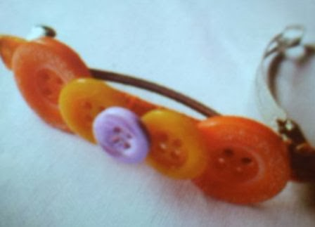 kerajinan membuat jepit rambut cantik dari kancing warna warni